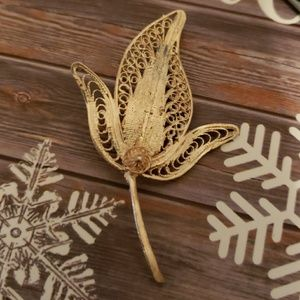 Jewelry - Genuine sterling silver antique Pin